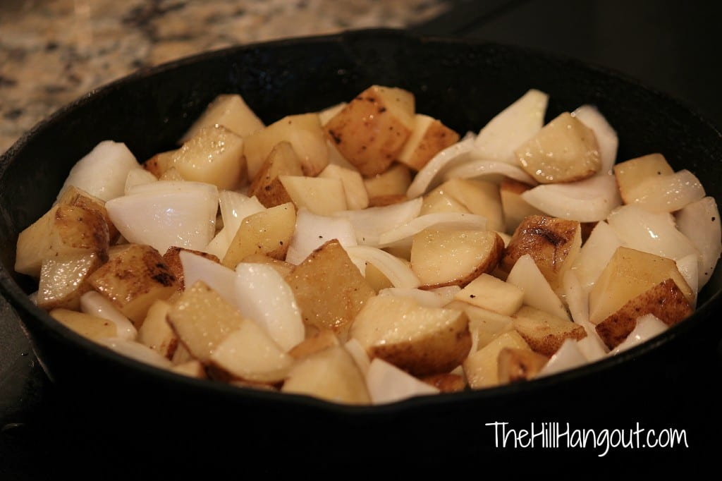 Skillet Potatoes from TheHillHangout.com